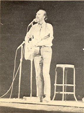 Pete Seeger: Benefit Concert for War Tax Resistance, Boston, October 26, 1972